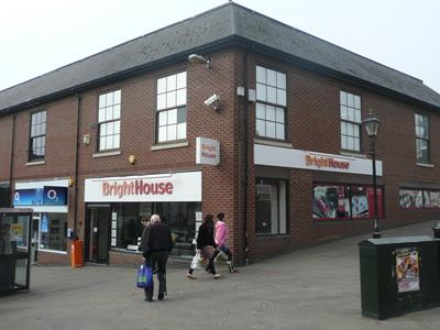 TO LET - Prime corner town centre retail unit