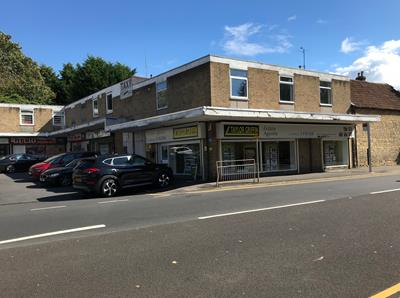 TO LET: Prominent Retail Premises