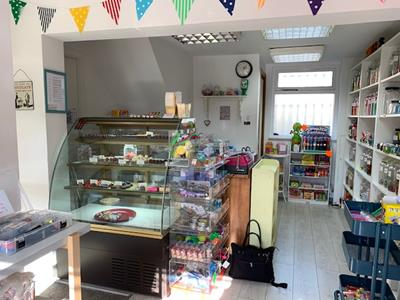 TO LET - Retail premises in large thriving village