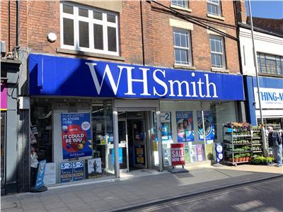 TO LET: Prime Town Centre Retail Premises